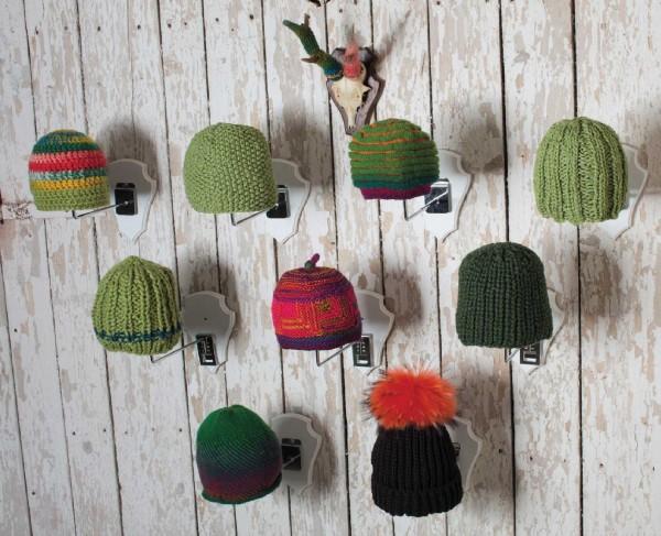 Mütze im Halbpatent mit Pompon by SCHOPPEL DESIGN